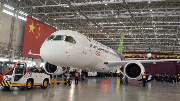 Comac efectuó en diciembre el tercer vuelo de prueba del C919 y tiene el objetivo de empezar sus primeras entregas en 2021