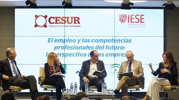 Eugenio Barroso (MP Corporación), Olaia Abadía García de Vicuña (Junta de Andalucía), Felipe Rubio (Airbus), Miguel Ángel García Díaz (Junta de Andalucía) y María Luisa Blázquez (IESE)