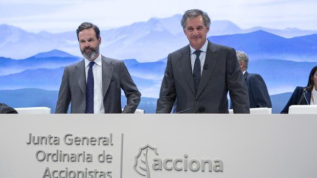 Juan Ignacio Entrecanales (izda) y José Manuel Entrecanales, presidente de Acciona (dcha) , vicepresidente y presidente de Acciona, respectivamente