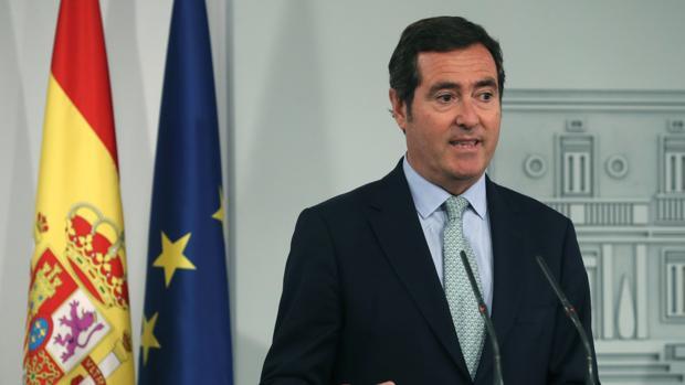 El presidente de la CEOE, Antonio Garamendi, durante su comparecencia en La Moncloa tras reunirse con Pedro Sánchez