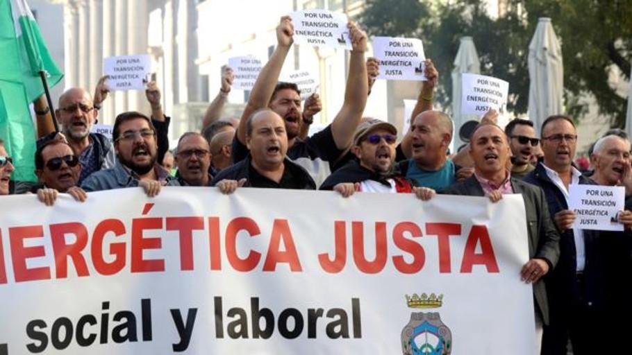 Trabajadores de As Pontes piden ante el Congreso una solución para la central térmica