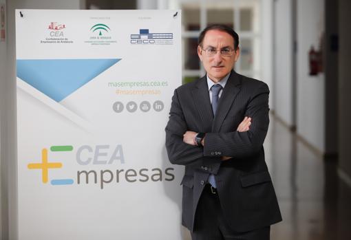 Para González de Lara, presidente de la CEA, es vital garantizar la liquidez de las empresas andaluzas mientras dure la crisis sanitaria y económica generada por el Covid-19