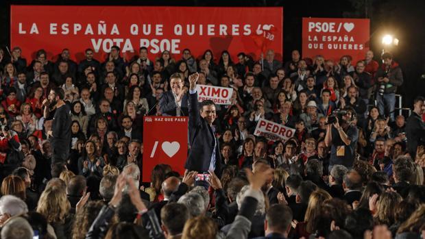 Pedro Sánchez en el mitin de cierre de campaña ayer en Valencia