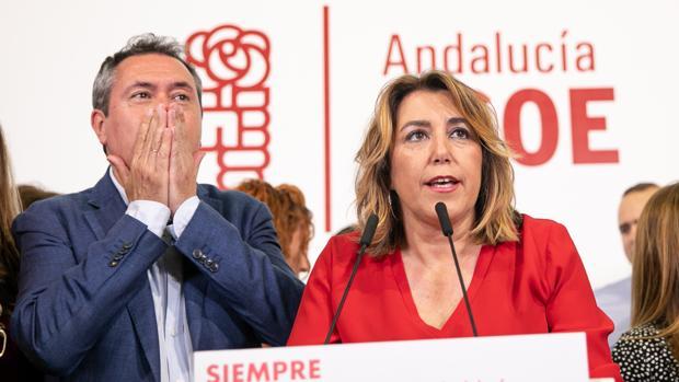 Susana Díaz, junto a Juan Espadas, en la noche electoral en Sevilla