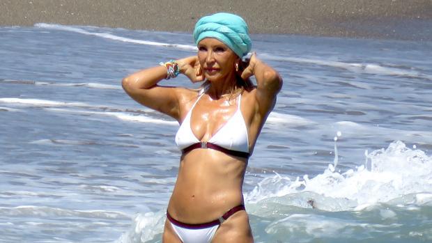 Carmen Lomana durante sus vacaciones en Marbella