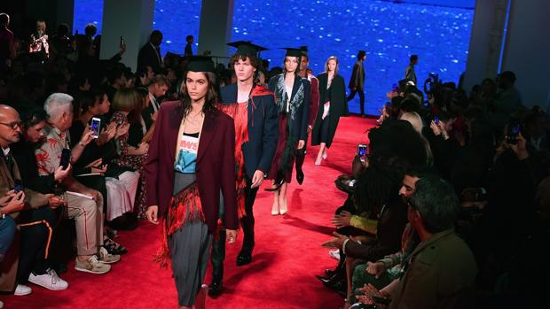 Kaia Gerber desfila para Calvin Klein en Nueva York el pasado noviembre