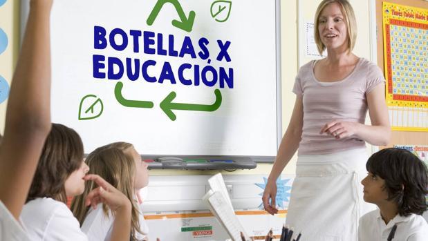 Material reciclado y contenidos educativos para fomentar la economía circular desde la escuela