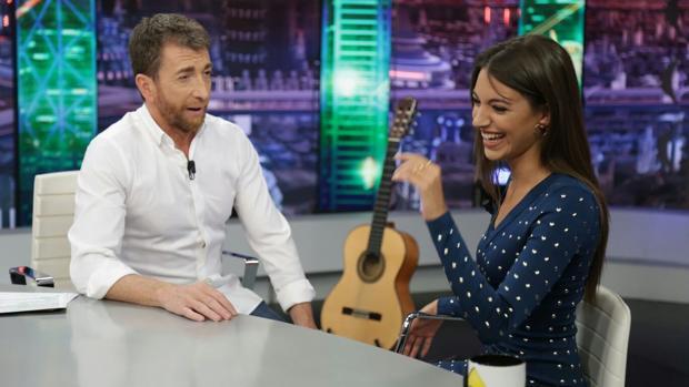 Ana Guerra y Pablo Motos, en «El hormiguero»