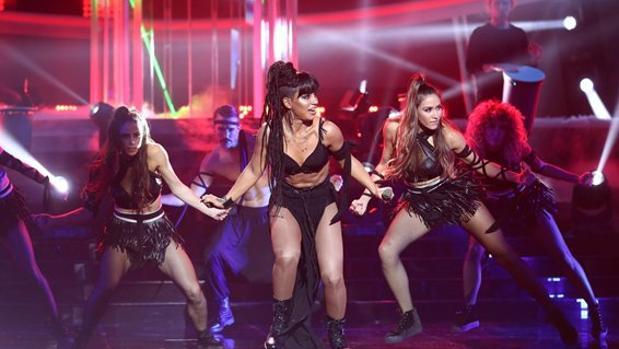 Soraya Arnelas versiona a Rihanna en «Tu cara me suena»