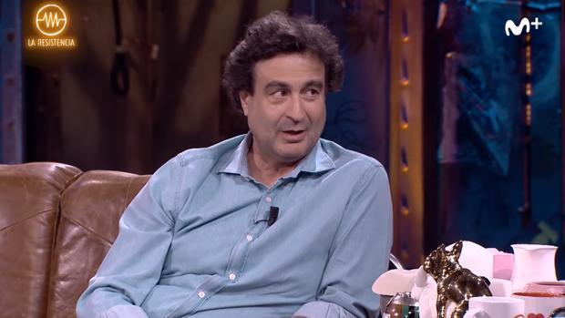 Pepe Rodríguez en el sofá de «La resistencia»