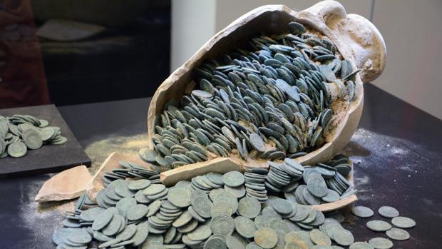 La moneda más reciente del tesoro de Tomares es del año 312 después de Cristo