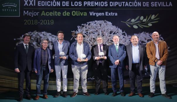 Foto de familia de los premios entregados este miércoles