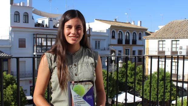 Claudia comenzó en el mundo del tenis en unas vacaciones familiares cuando sólo tenía 7 años de edad