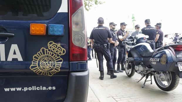 Muere un motorista de 47 años tras una colisión con un turismo en Espartinas