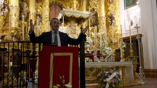 Alberto García Reyes, durante el pregón