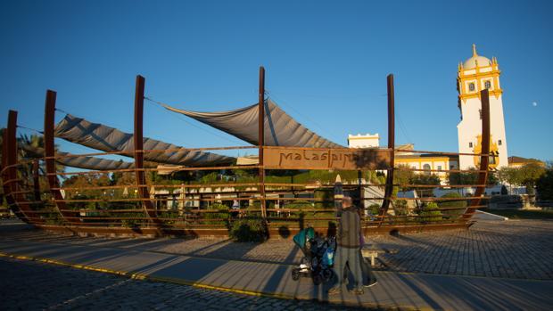 La Raza Entra En El Muelle De Las Delicias Con Un Restaurante