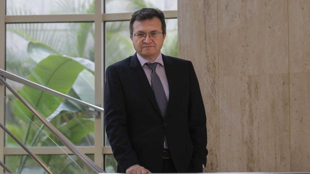 El presidente del Sindicato Médico de Sevilla
