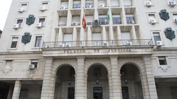 Edficio de la Audiencia en el Prado
