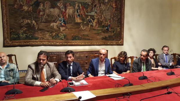 Jesús Rojas, Antonio Jiménez y Antonio Muñoz, junto a las empresas participantes