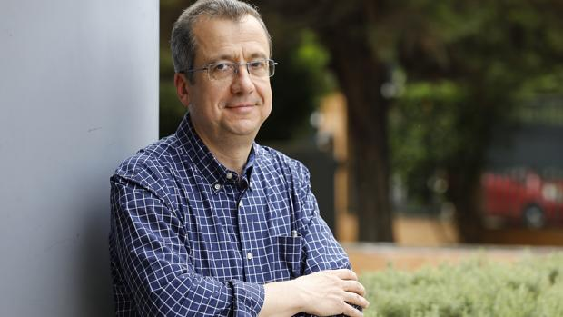 Javier Puerto, presidente del colectivo APIA, que integra a profesores de instituto de Andalucía