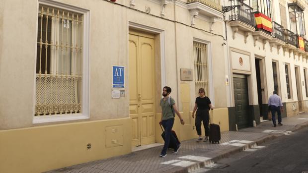 Apartamentos turísticos en la calel San Vicente, junto al Museo