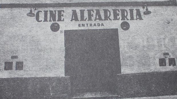 Imagen del antiguo cine Alfarería en Triana