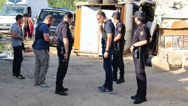 Un momento de la redada ejecutada este martes en El Vacie