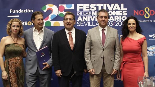 Laura de los Ángeles, Sergio Frenkel, Antonio Pulido, Juan Espadas y Pilar Astola