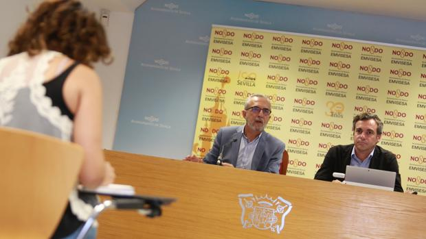 Juan Manuel Flores y Felipe Castro, en la rueda de prensa
