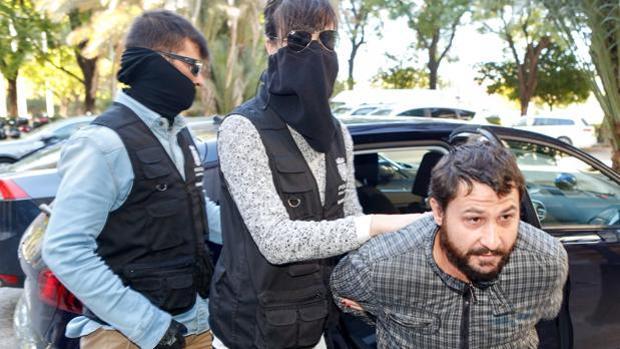Miguel Ángel Fernández Delgado cuando acudió a los juzgados en 2017 a declarar antes de los juicios