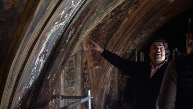 Las pinturas murales de la capilla de San José necesitan una restauración