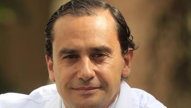 Salvador Morales es un experto en nuevas técnicas quirúrgicas