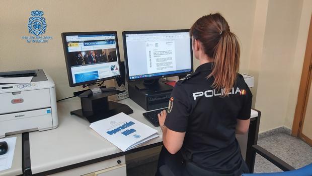 Policía trabajando en la «Operación Niño»