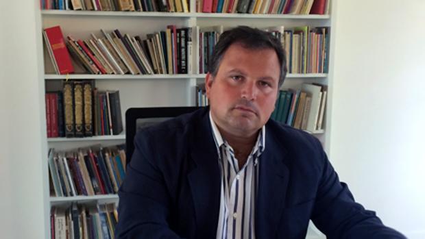 Ismael Perez, en su despacho del Consorcio Fernando de los Ríos de la Junta de Andalucía