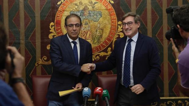 El rector y el presidente de la Autoridad Portuaria han firmado un protocolo para la construcción de un centro de innovación universitario