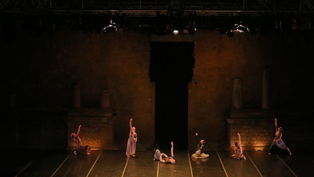 Representación en el Festival Internacional de Danza en el Teatro Romano de Itálica