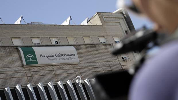 El condenado presentó facturas por presuntos suministos al Hospital de Valme