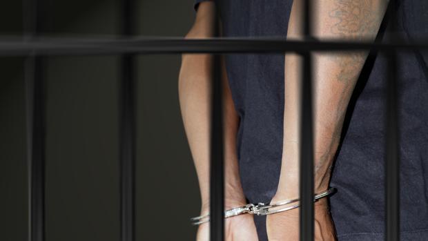Una persona encarcelada