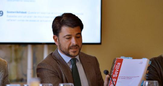 El portavoz del PP, Beltrán Pérez, denuncia la situación