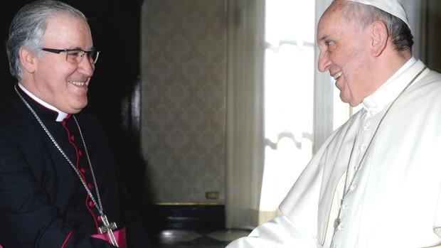 El Papa y Saiz Meneses