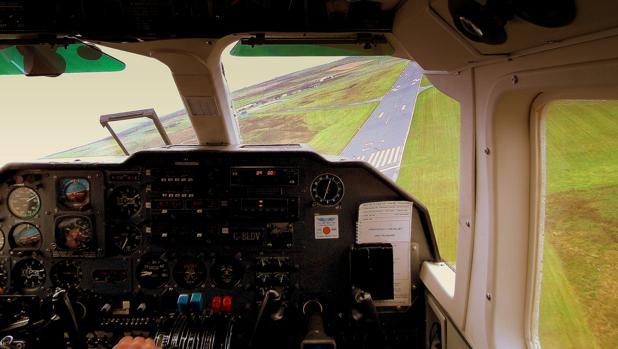 La aerolínea regional escocesa Loganair hace el vuelo entre Westray y Papa Westray