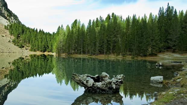 El ibón de Plan, un lago glaciar de alta montaña del Pirineo Aragonés